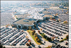 The Hamilton Place Mall parking lot near full capacity at 10:00 a.m. on Black Friday.